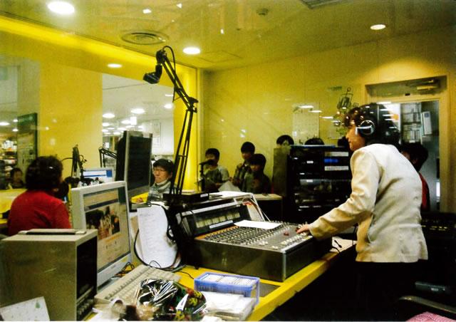 しゅうなんFM スタジオ
