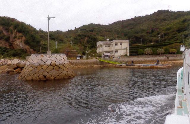楽ノ江にある島の小学校
