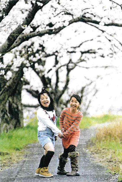 優秀賞「春色の散歩道」