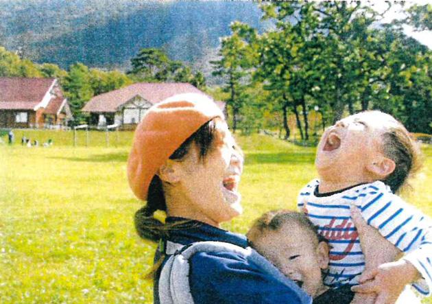入選 「ママ、ボクも抱っこ!!」