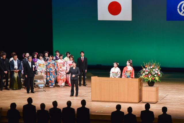 下松市民憲章の唱和、村上さん、古賀さん