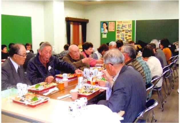 会員の歓談と会食