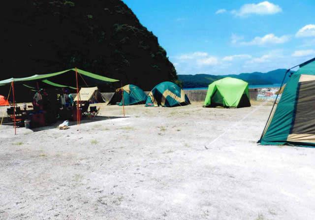 キャンプといえばテント