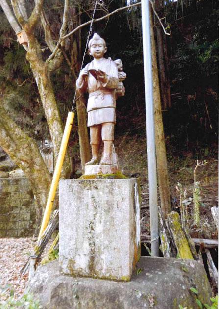 陶器で作った二宮尊徳像