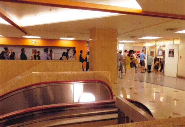 会場入口の行列
