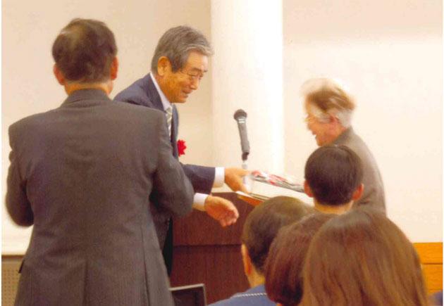 市長賞の近藤道子さん