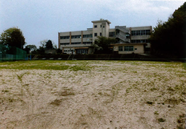 桂小中学校