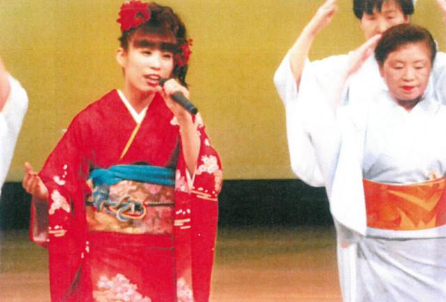 MIKKOさん 笠戸島音頭を歌う