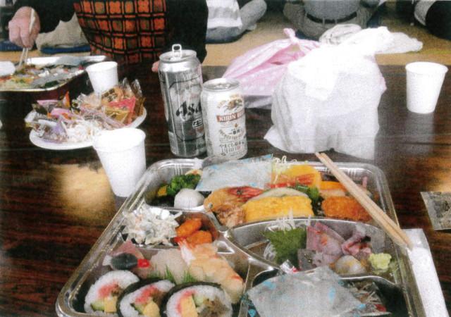 弁当とビール、1,500円也