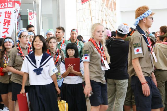 末武中学生と海外のスカウトたち